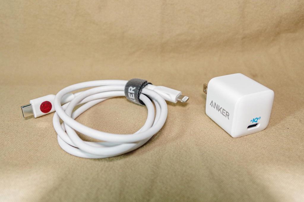 Cốc sạc Anker PowerPort III Nano sử dụng với cáp USB-C