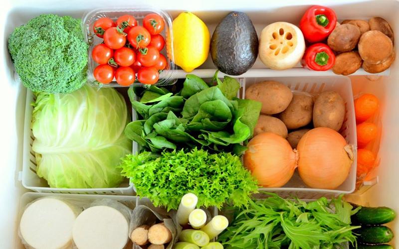 Loại bỏ thực phẩm thừa, lâu ngày không đụng