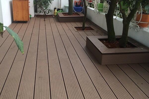 Sàn gỗ nhựa ngoài trời chịu được nhiệt độ cao