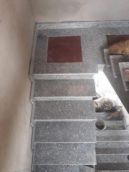đá ốp cầu thang