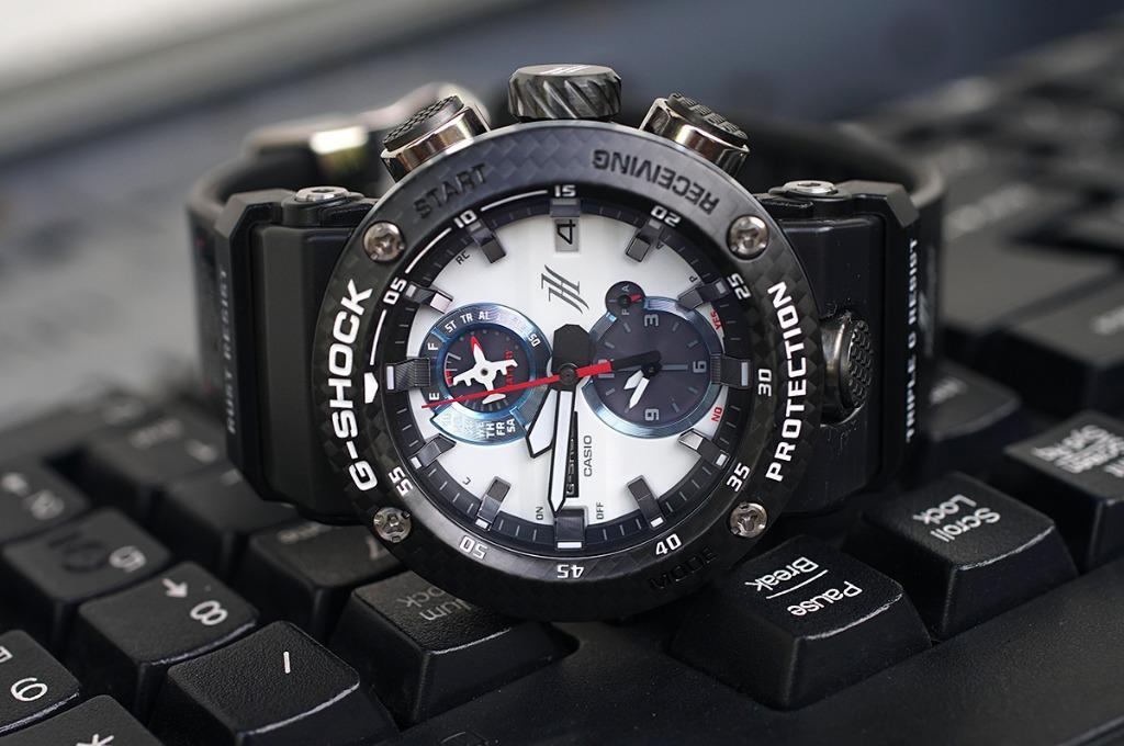 Đồng hồ Casio GWR-B1000HJ-1ADR với nhiều tính năng hiện đại