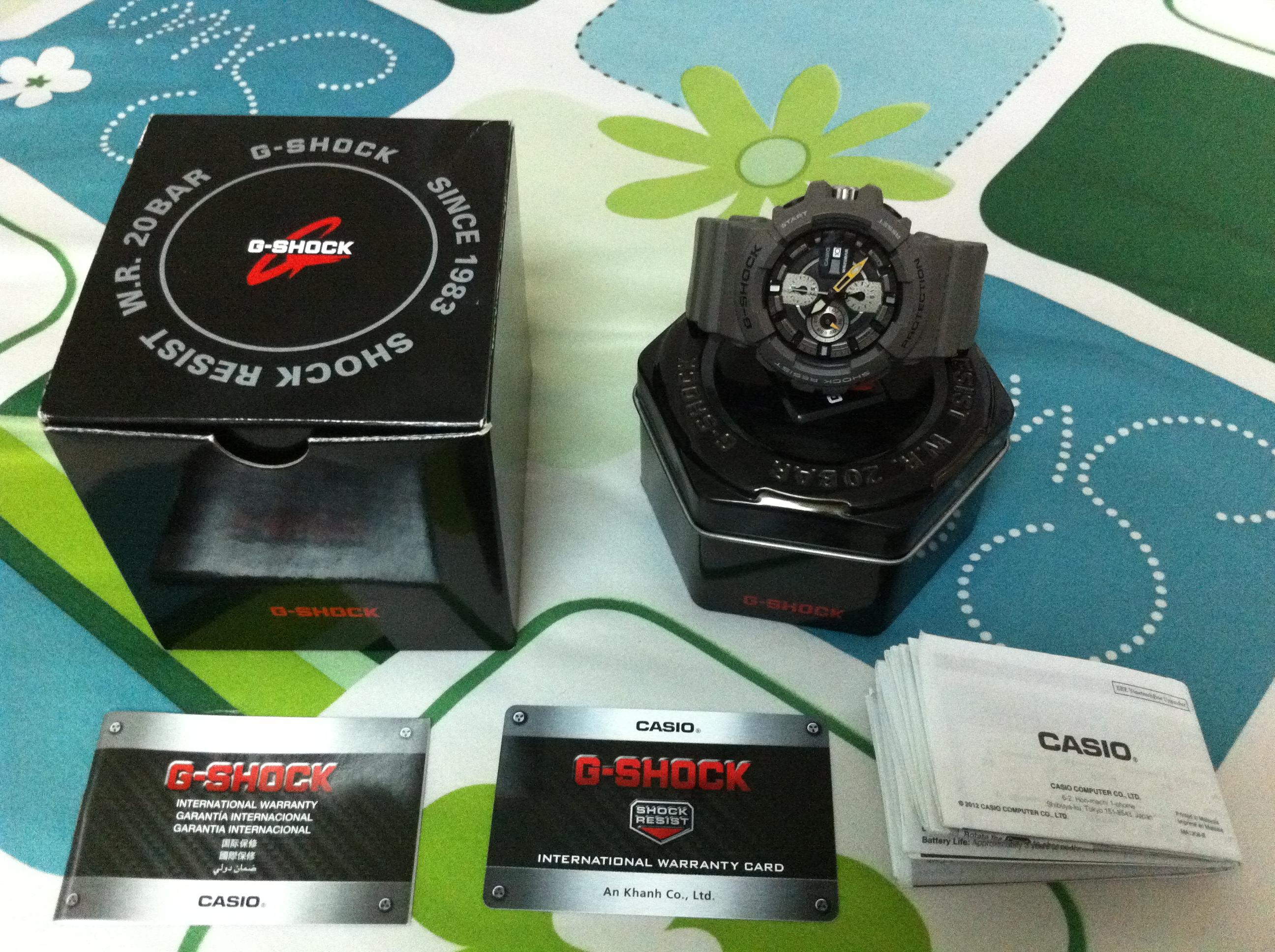 Đủ bộ một hộp G-Shock mới