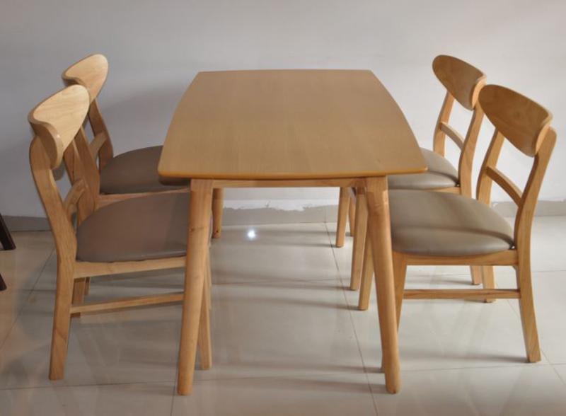 Những lưu ý khi chọn bàn ăn bằng gỗ