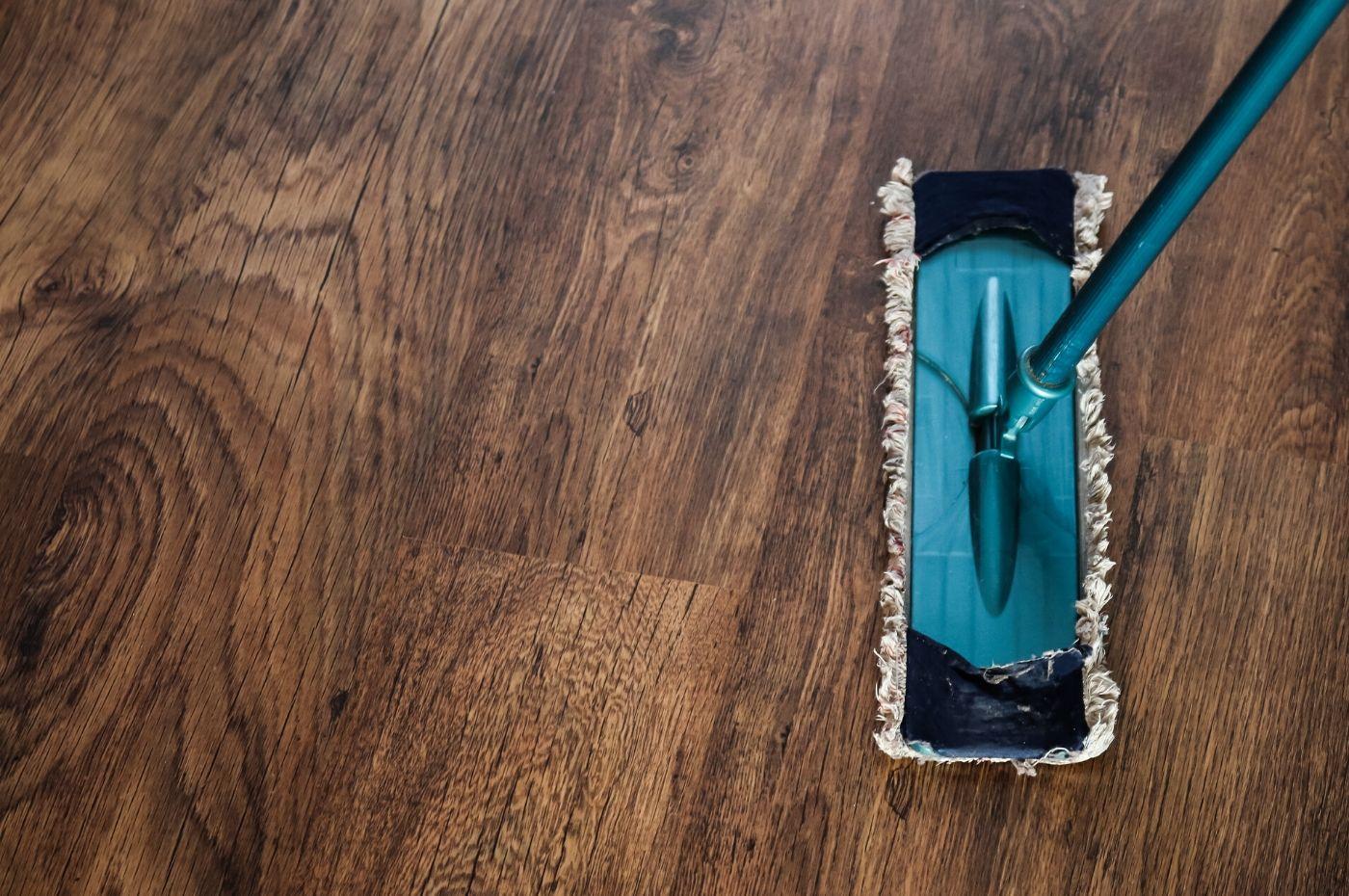 Cách xử lý khi sàn gỗ thái lan khi bị ngập nước