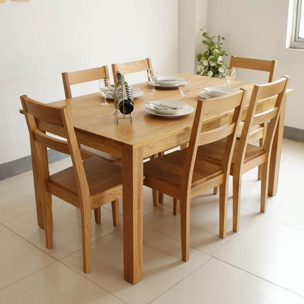 Những lưu ý khi sử dụng bộ bàn ăn bằng gỗ