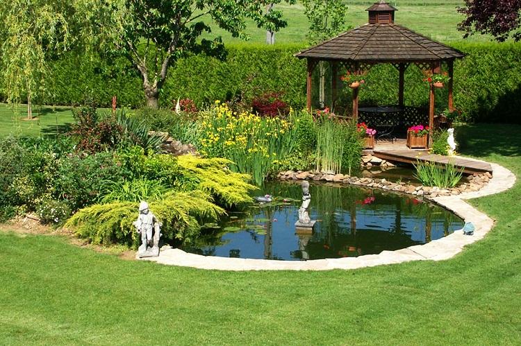Lối mòn vào sân vườn sử dụng bằng cỏ gà