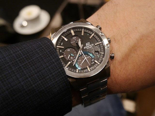 Đồng hồ Edifice Casio thiết kế mang phong cách thể thao, trẻ trung