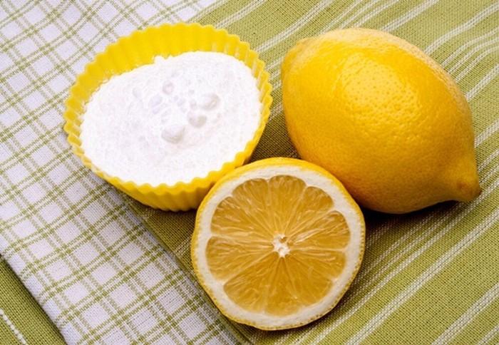 Cách làm trắng răng bằng baking soda với nước cốt chanh
