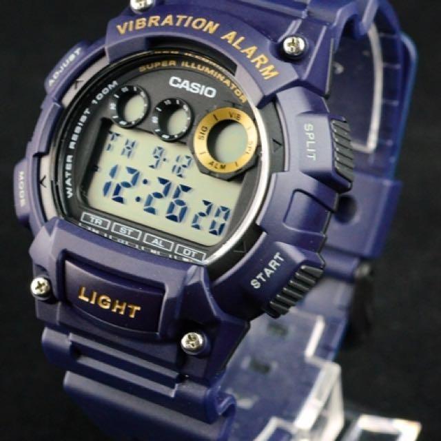 Nhờ nhân viên cửa hàng tư vấn giúp bạn chọn được chiếc đồng hồ điện tử thích hợp