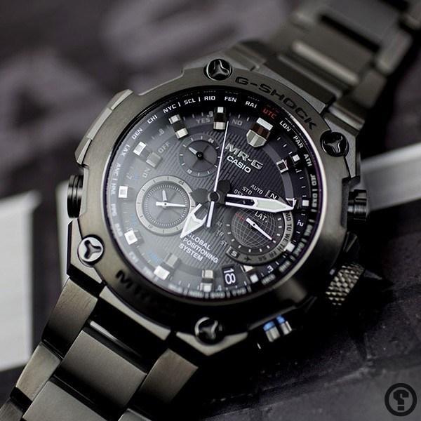 Cận cảnh đồng hồ G-Shock MRG giá 95 triệu đồng.